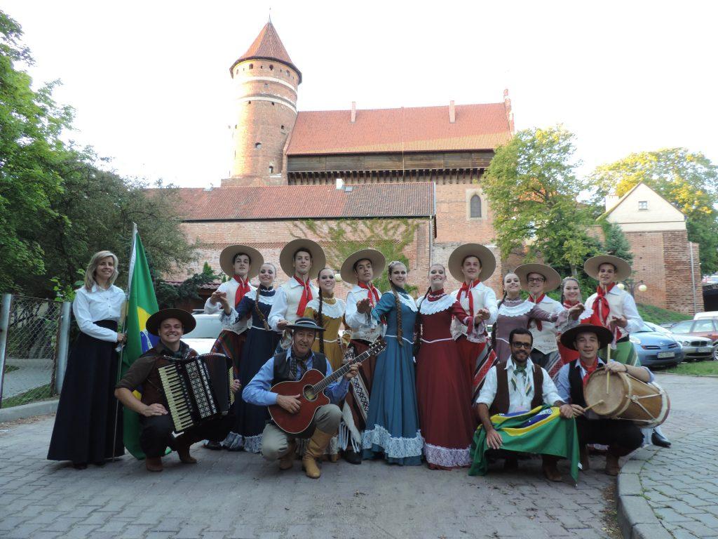 Brasilien---Folkloregruppe